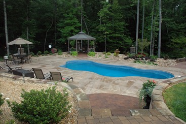 Custom Spas and Swimming Pools